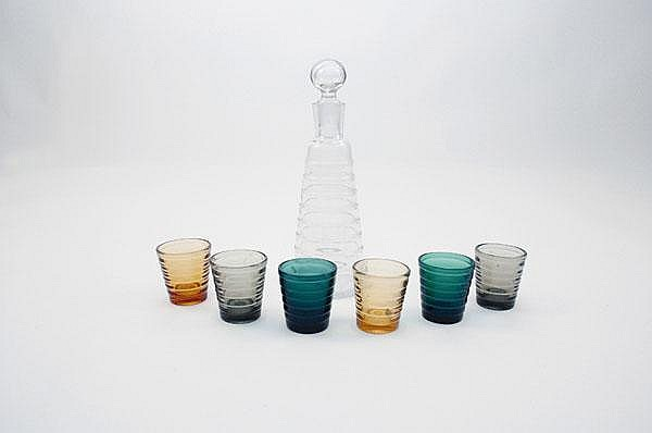 Aino Marsio-Aalto. 'Bölgeblick' bottle and six