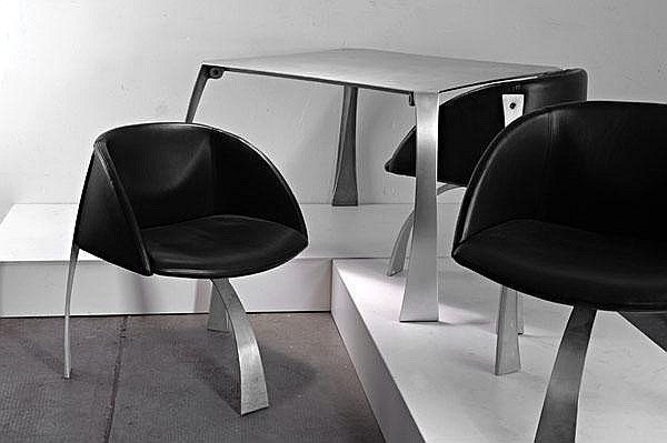 Giovanni Offredi. Three easy chairs and a 'P-80' table, designed in 1973.