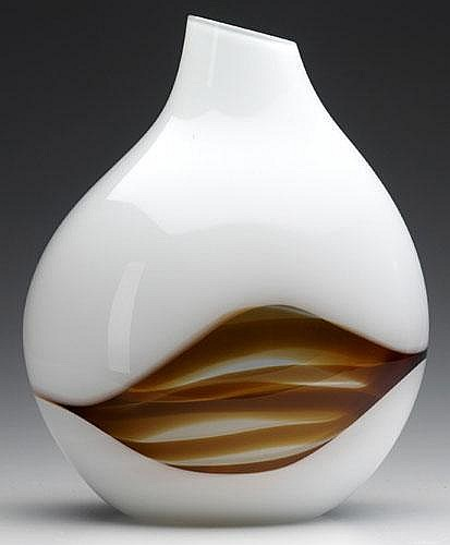 LIVIO SEGUSO / PAULY Lattimo glass vase with