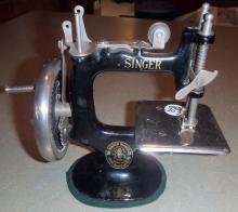 Turn-of-the-Century Salesman Sample Working Singer Sewing Machine