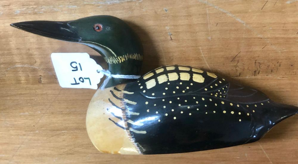 Lot 15: 1983 GENE MALIN CARVED WOOD COMMON LOON (ART-IN-WOOD CARVER)-SIGNED