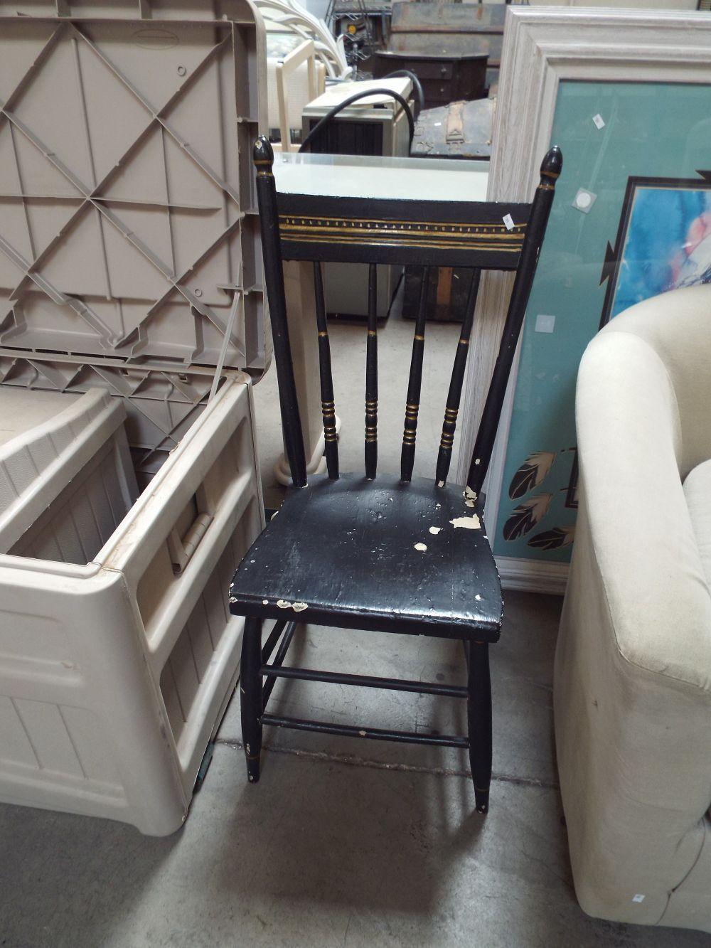 Incredible Vintage Wooden Accent Chair Creativecarmelina Interior Chair Design Creativecarmelinacom