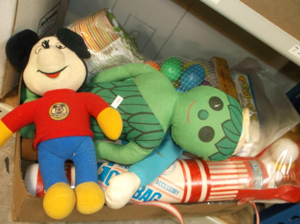 VINTAGE MICKEY MOUSE, DIXIE CUPS, JOLLY GREEN