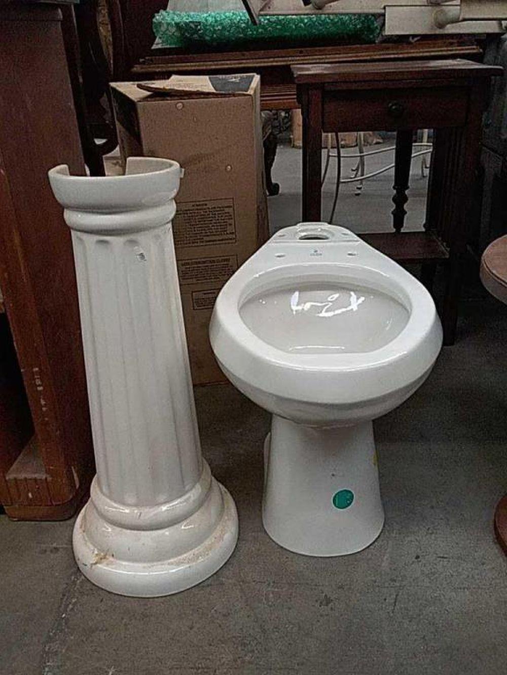 Peachy Porcelain Pedestal Sink Base And Crane Toilet Bowl Beatyapartments Chair Design Images Beatyapartmentscom
