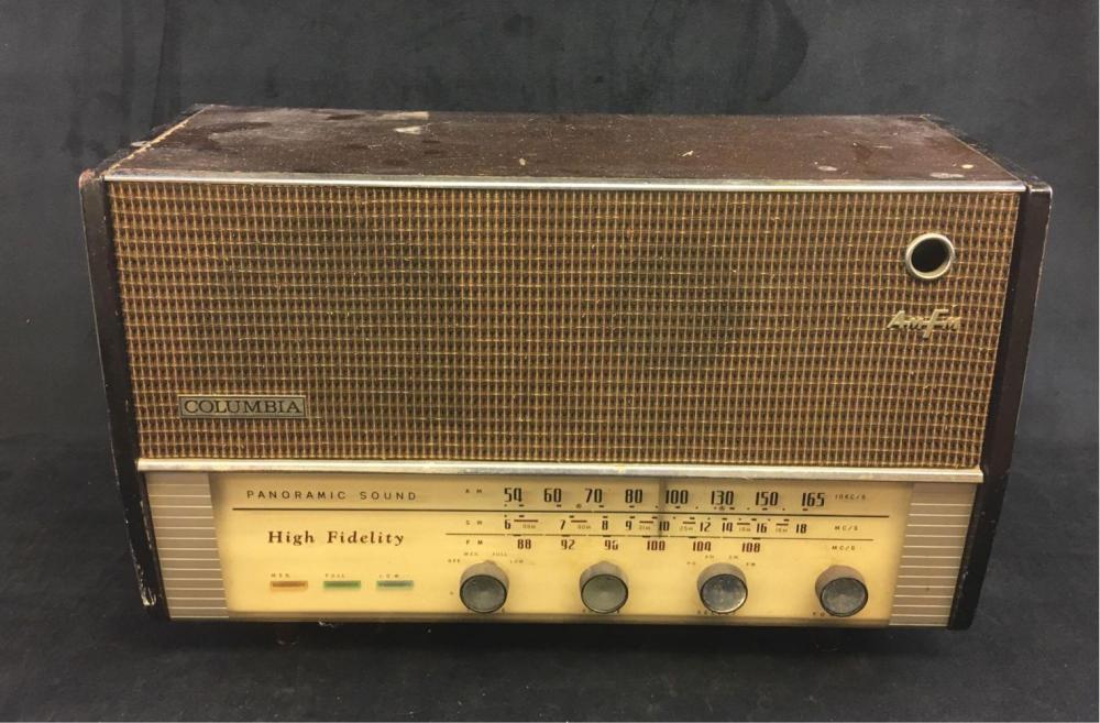 Vintage Columbia High Fidelity Panoramic Sound Radio Model C 625 Circa 1950s