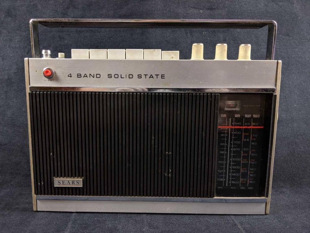 1960s Sears 2278 4 Band Solid State Radio