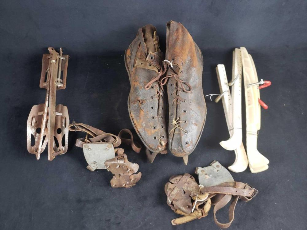 Antique Mens Shoe Skates Feather Weight Winchester Size 11 and Accessories