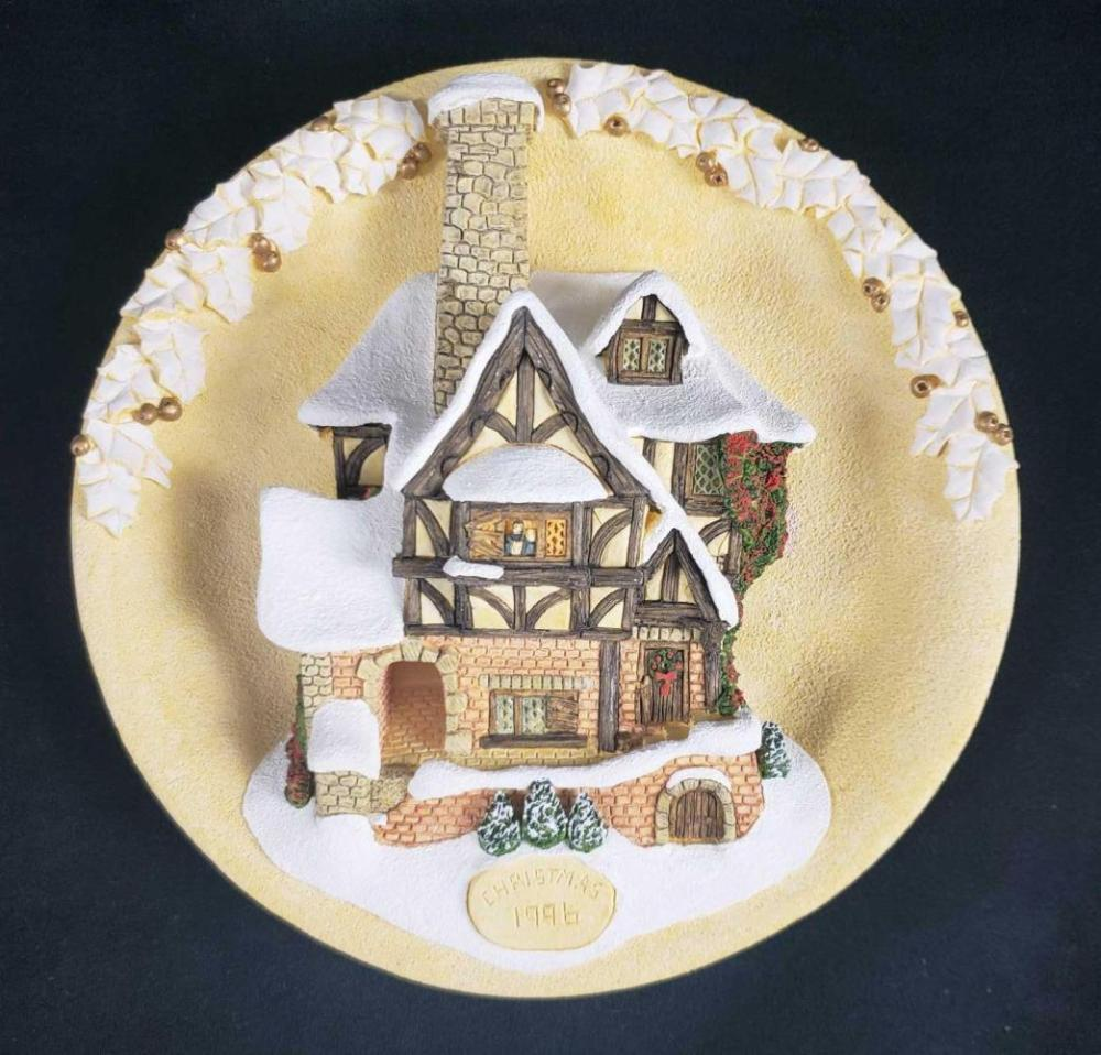 Signed David Winter Cottage Hanging Plate Tiny Tim Christmas Plaque 1996