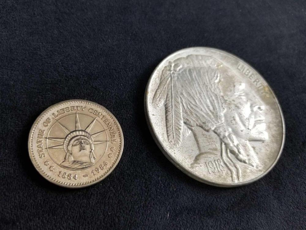 USA Novelty Coins Lot of 2