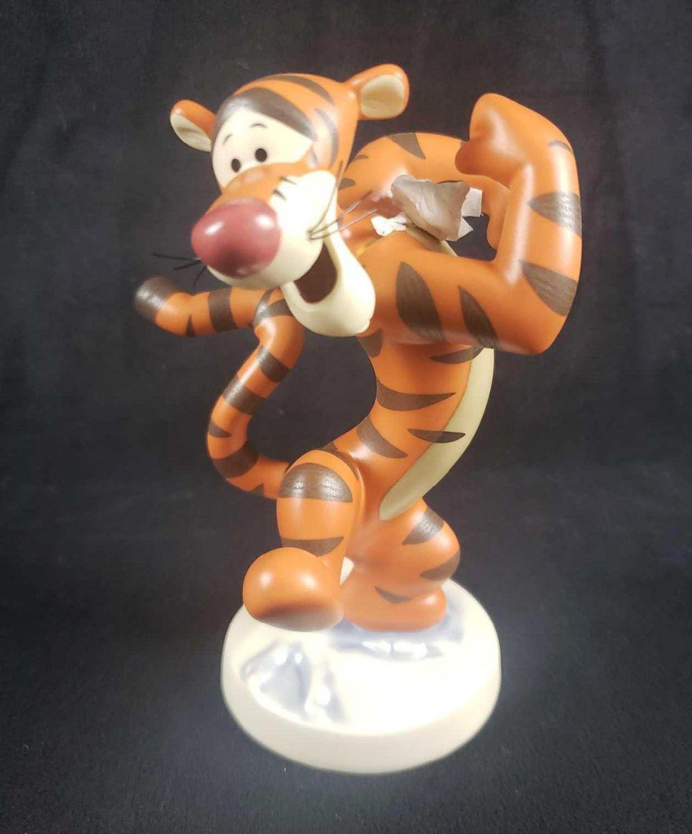 Disney Collectors Society Bounciful Buddy Tigger Figurine