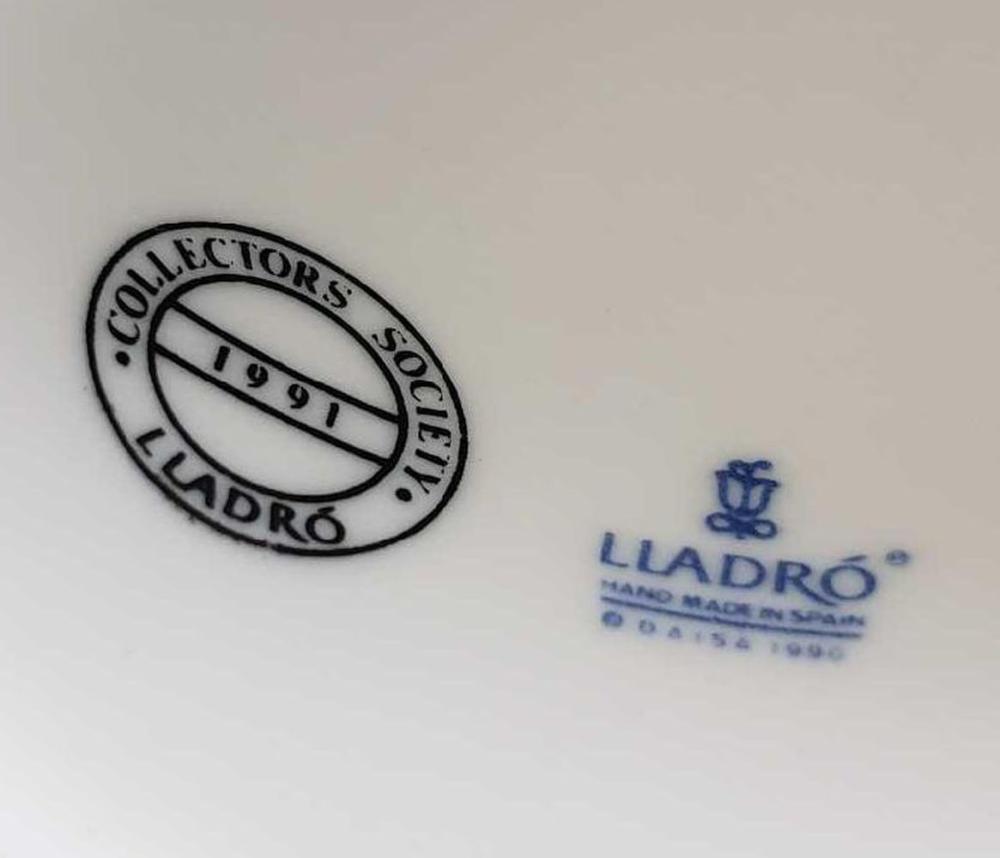 Lot 108: Lladro Spring Bell