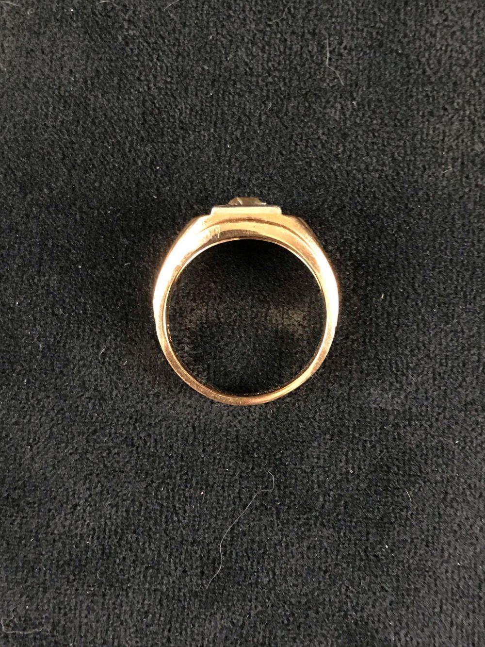 Lot 125: 14K Gold Diamond Signet Ring