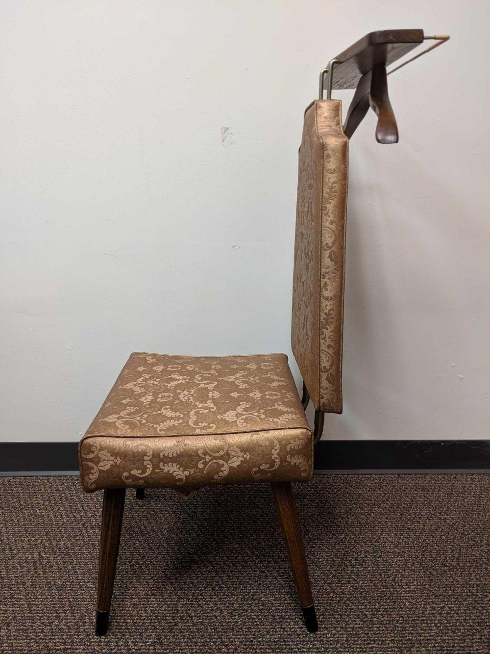Lot 131: 1967 Mid Century Butler Valet Chair