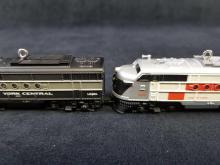 Lot 162: Lot Of 4 Hallmark Keepsake Lionel Trains