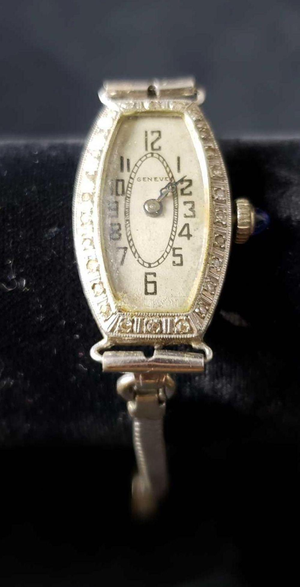 Lot 186: Geneve Watch with 14k Gold Case