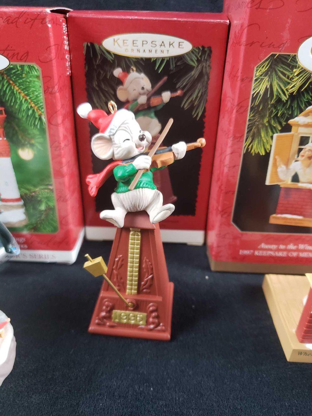 Lot 229: Lot of 5 Hallmark Keepsake Christmas Themed Ornaments