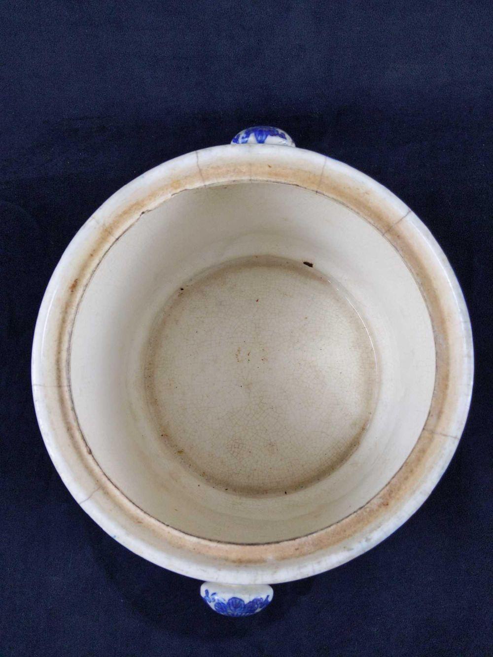 Lot 252: Antique Moriyama Japan Blue Willow Biscuit Jar No Lid