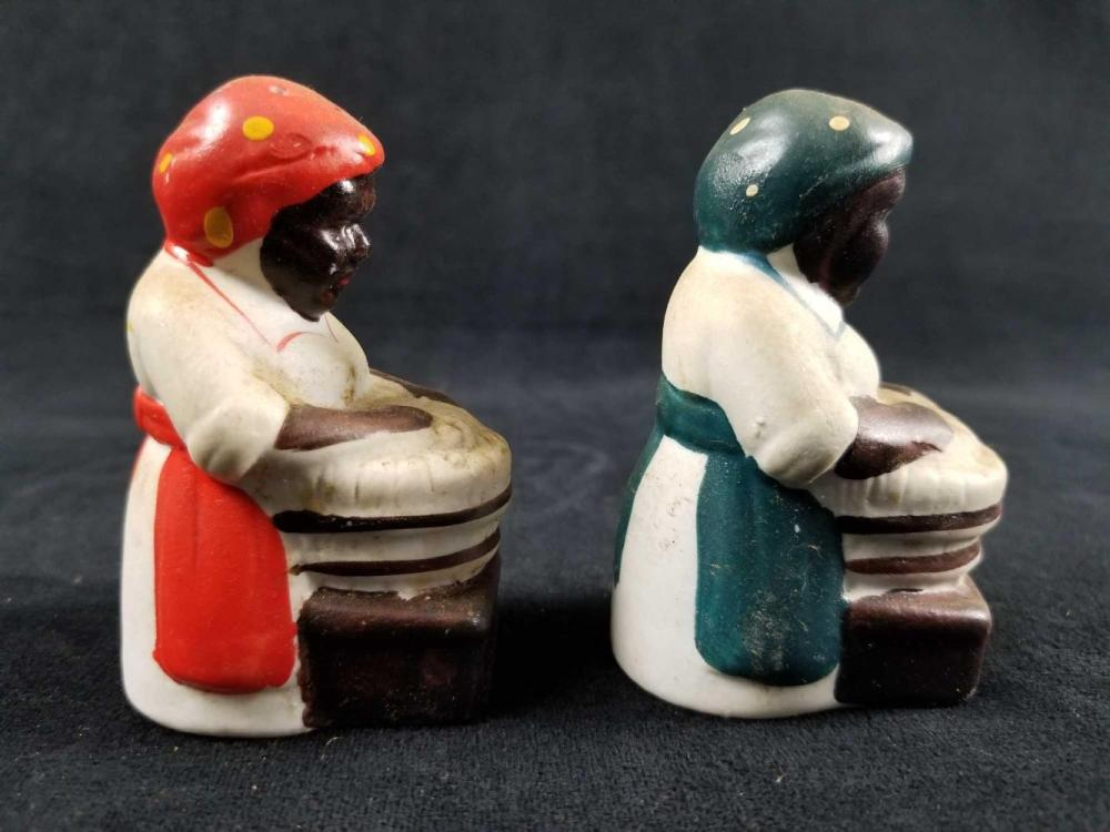 Lot 256: Vintage Black Americana Mammy Doing Laundry Salt and Pepper Shakers