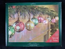 Lot 342: Hallmark Illuminations Snowflake Ornaments