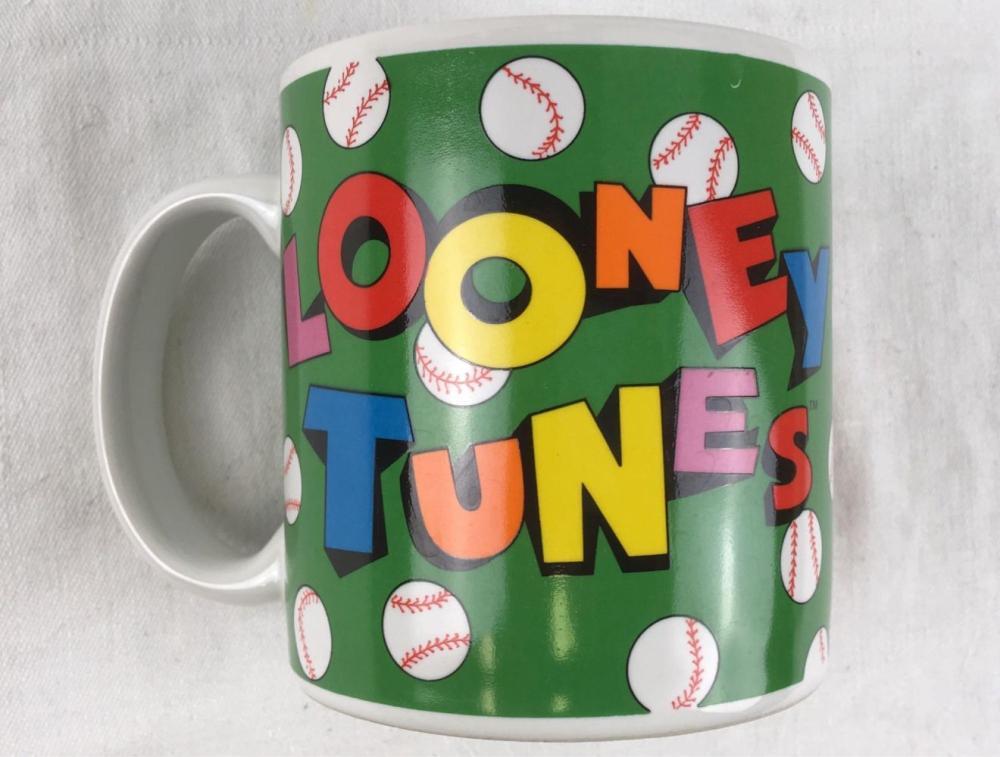 Lot 355: Vintage Looney Tunes Bugs Bunny Baseball Coffee Mug