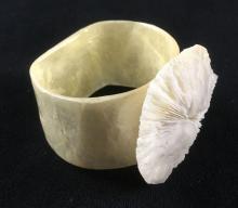 Lot 366: 8 Shell Napkin Rings