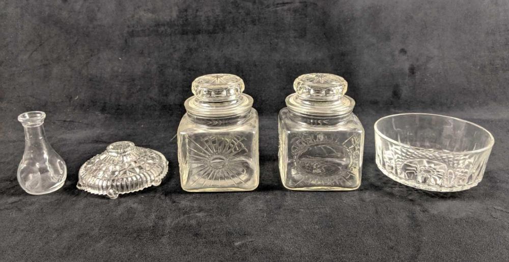 Lot 394: Random Selection Of Five Pieces Of Glassware