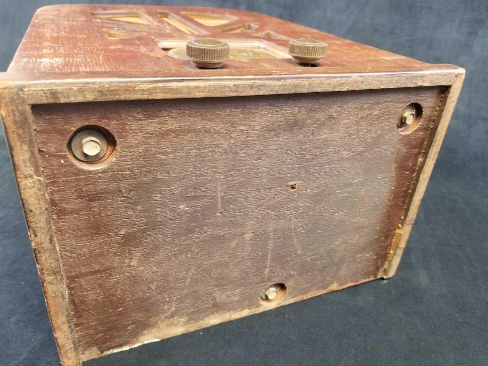 Lot 402: Philco Wooden Tombstone Tabletop Radio 1937