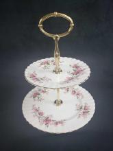 Lot 423: Set of 17 Pieces Royal Albert Lavender Rose Bone China
