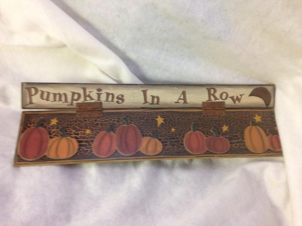 Lot 428: NOS-Halloween Decor wood Sign-Pumpkins in a Row-lot 3 Debbie Bryan Collection
