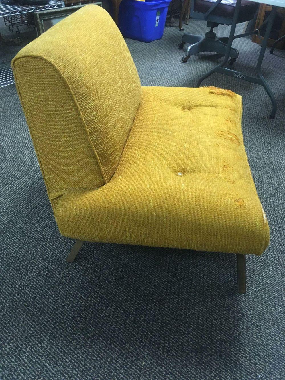 Lot 452: Mid-Century Fabric Chair