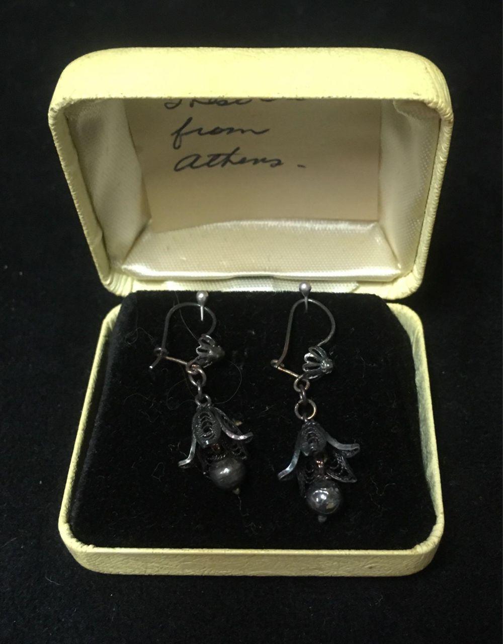 Lot 662: Vintage Sterling Silver Trumpet Flower Dangle Earrings