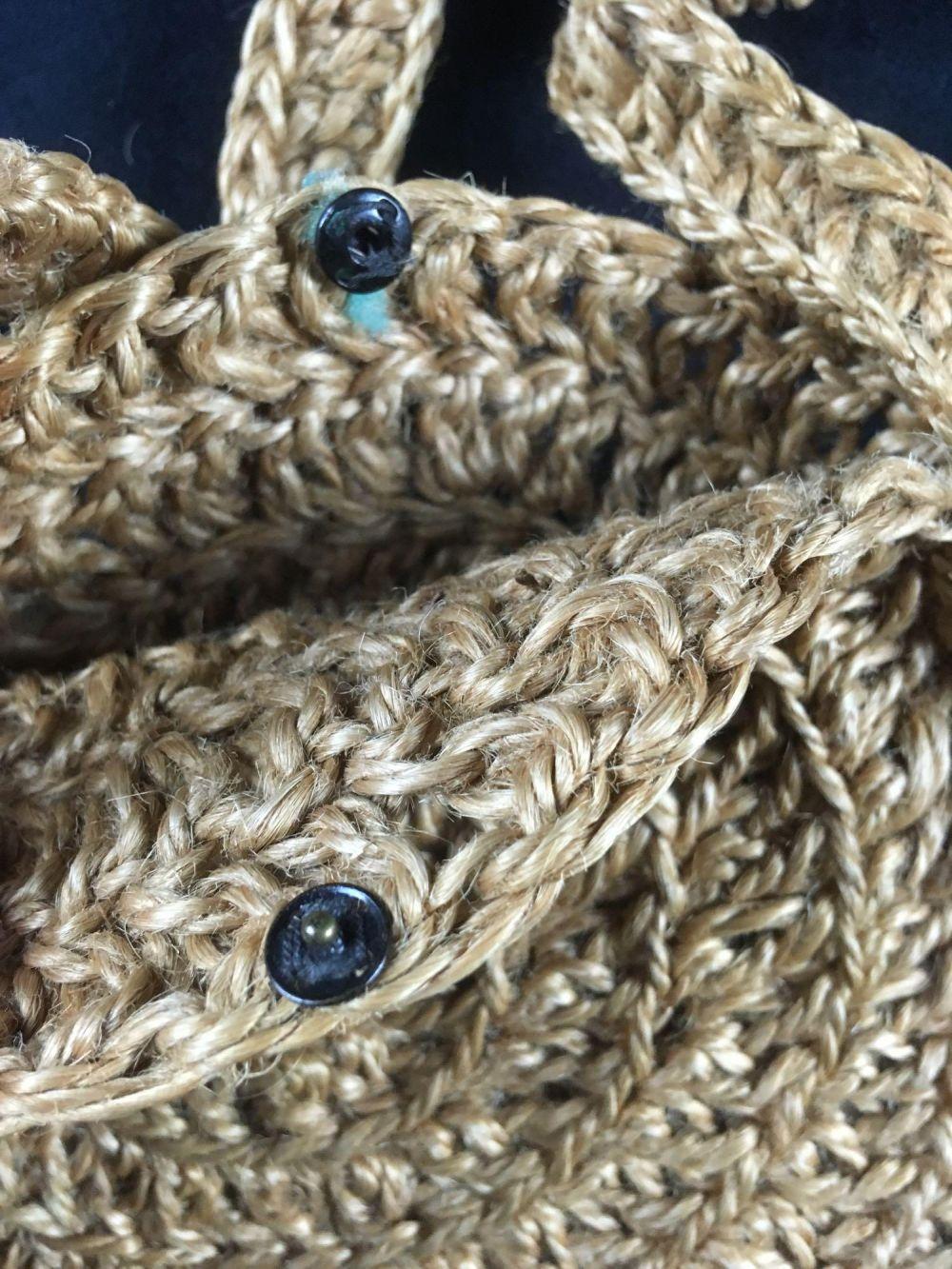 Lot 706: Knitted Circular Handbag