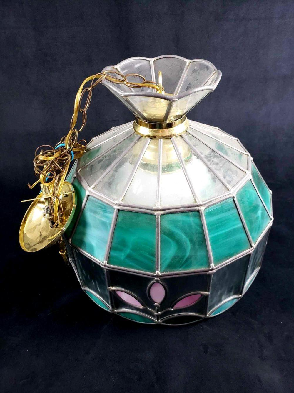 Lot 721: Tiffany Style Green Stained Glass Hanging Light