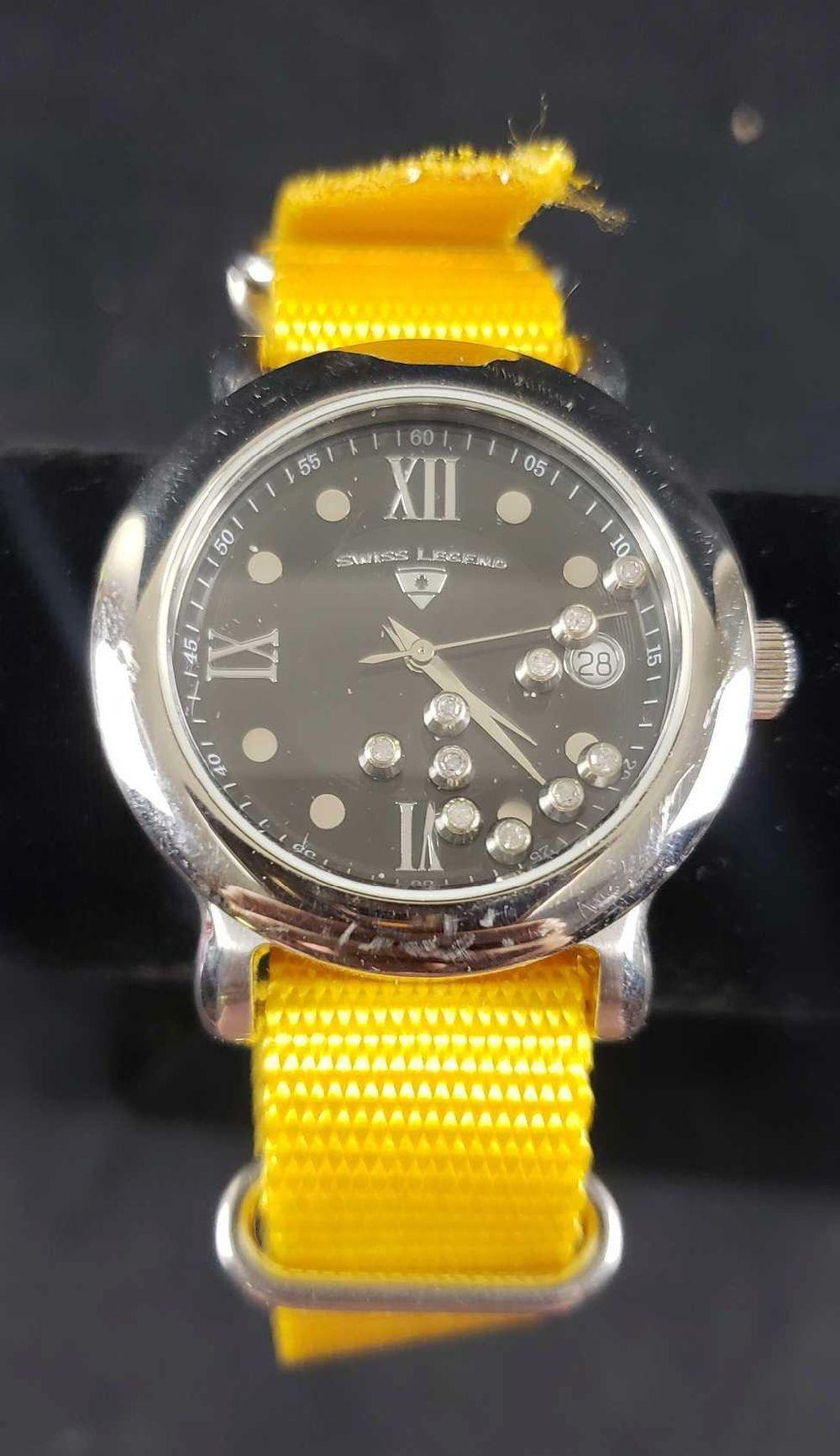 Lot 733: Swiss Legends Diamanti Nylon Strap Watch