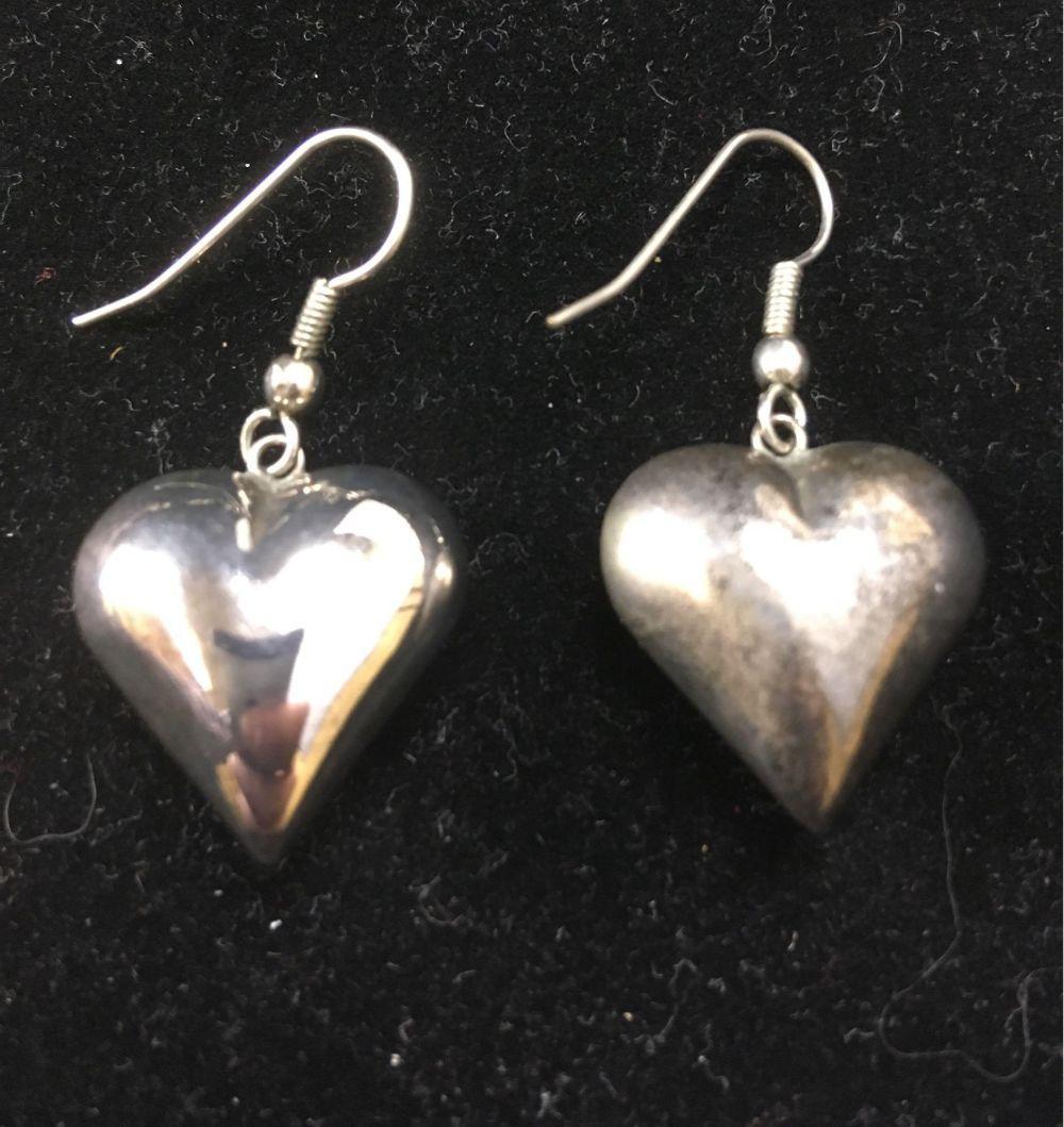 Lot 748: Vintage Silver Toned Heart Dangle Earrings