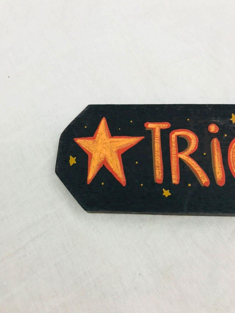 Lot 763: Cute Trick Or Treat Halloween Sign