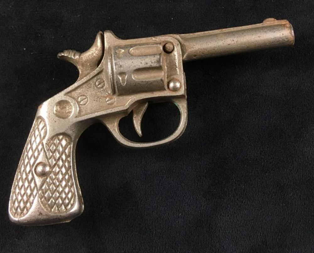 Lot 775: Vintage Toy Cast Iron Cap Gun