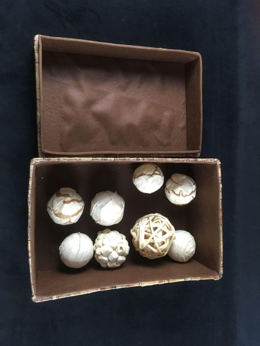 Lot 800: Collection of 8 Round Art Objects in Artistically Treated Box