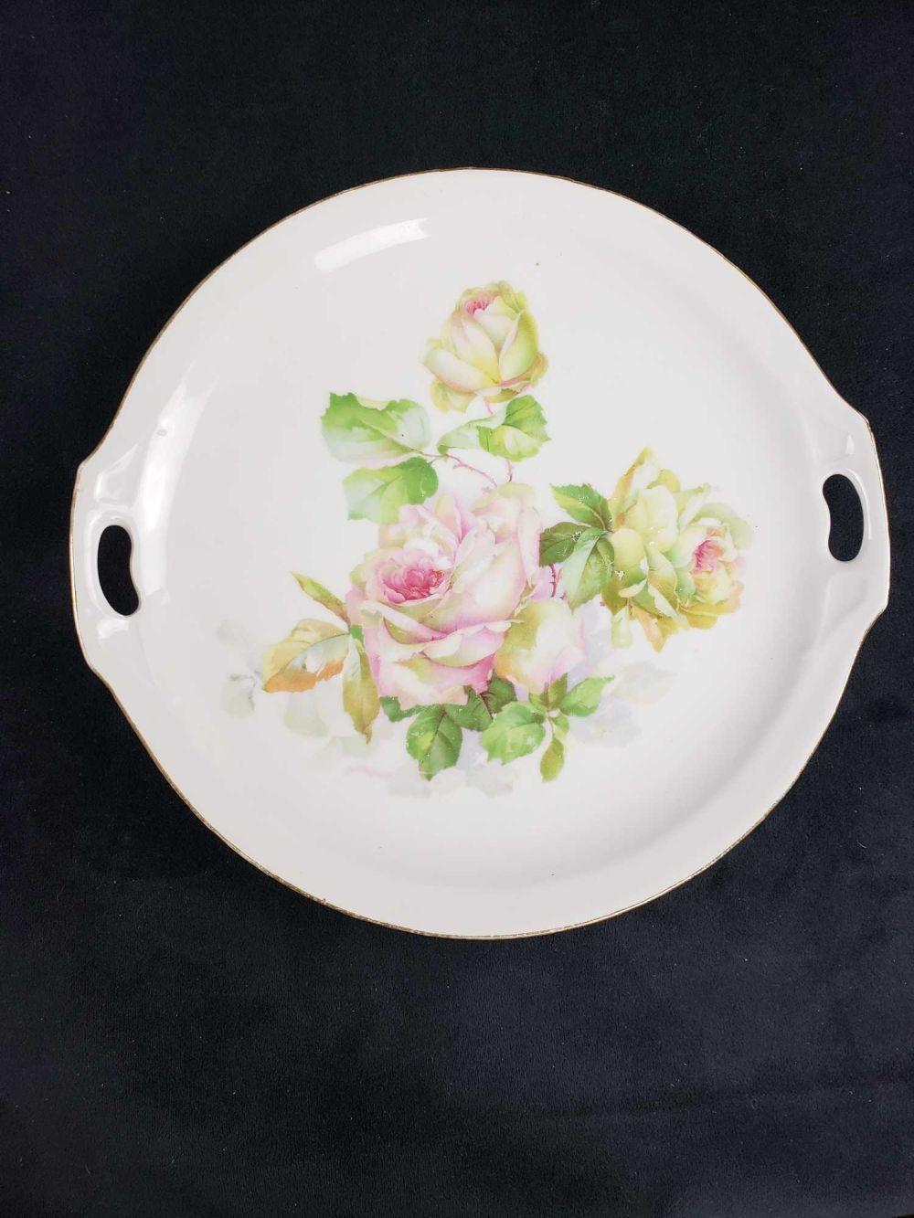 Lot 811: Lot of 5 Porcelain Plates
