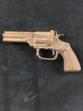 Lot 823: Vintage Toy Cast Iron Cap Pistol Possibly by Kenton