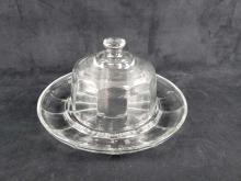 Lot 839: 1 Glass Covered Mini Cake Plate