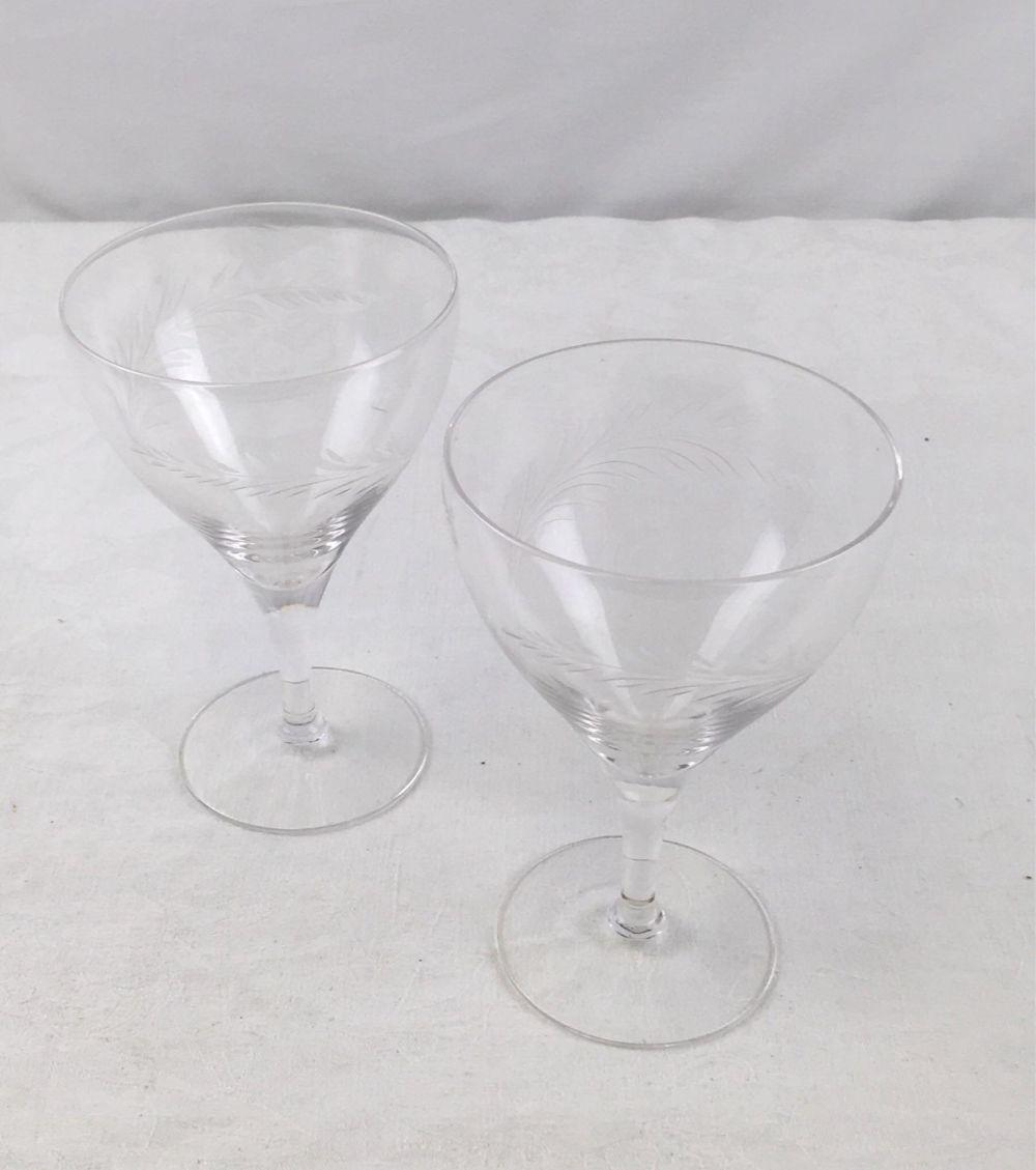 Lot 853: Fine Crystal Wine Glasses Pair