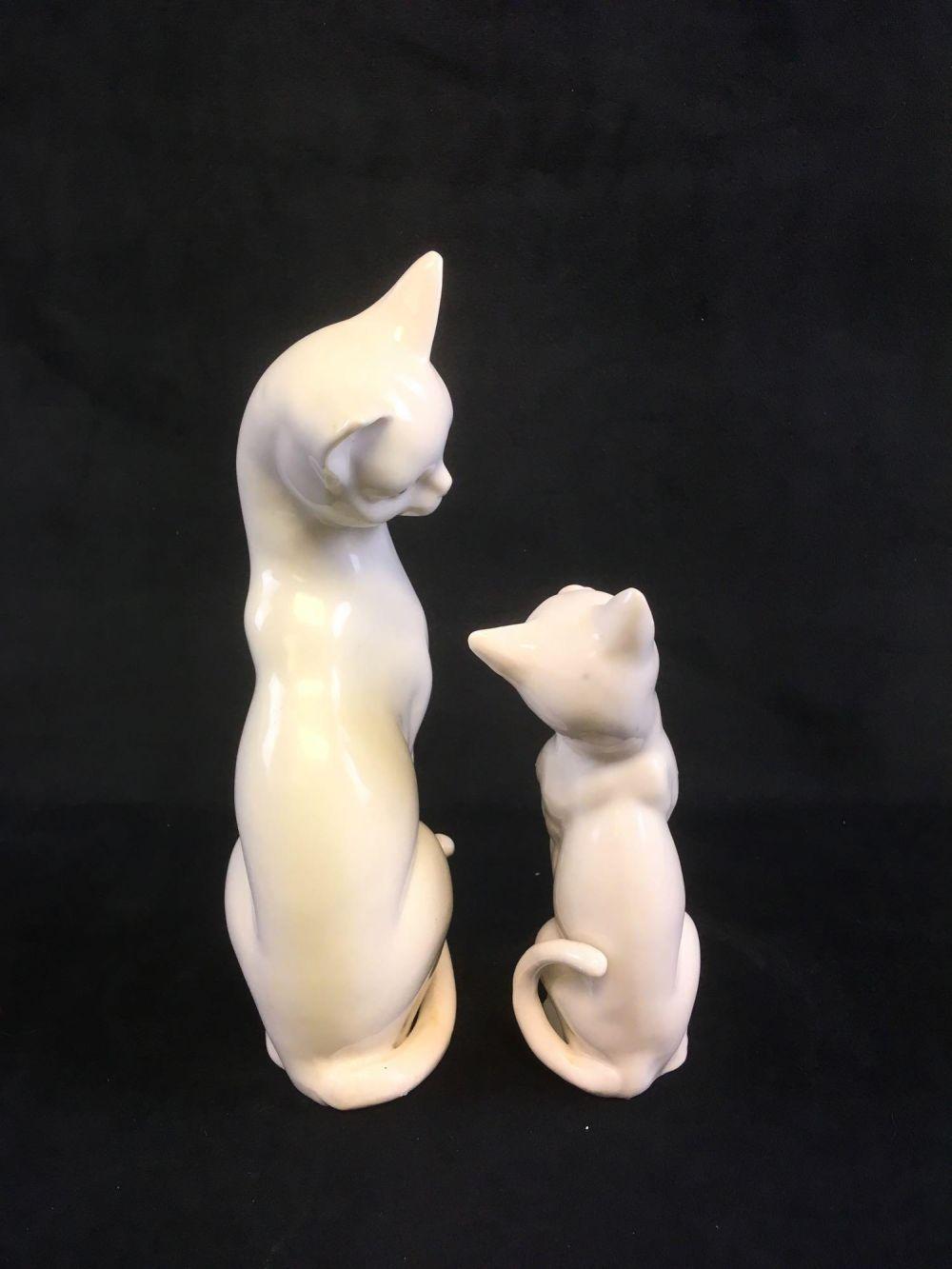 Lot 660: A Pair of Vintage PorcelainCat Figurines Marked Adalt Japan