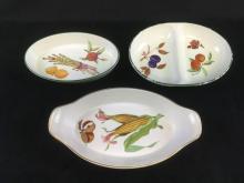 Lot 498: Set of Royal Worcester Fine Porcelain China Serving Set in EaveshamPattern 3 Pieces