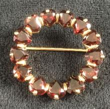 Lot 523: Vintage 14K Gold Hard Garnet Circle Brooch Pin