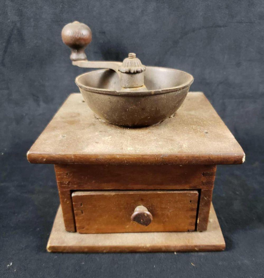 Lot 549: Antique Coffee Grinder