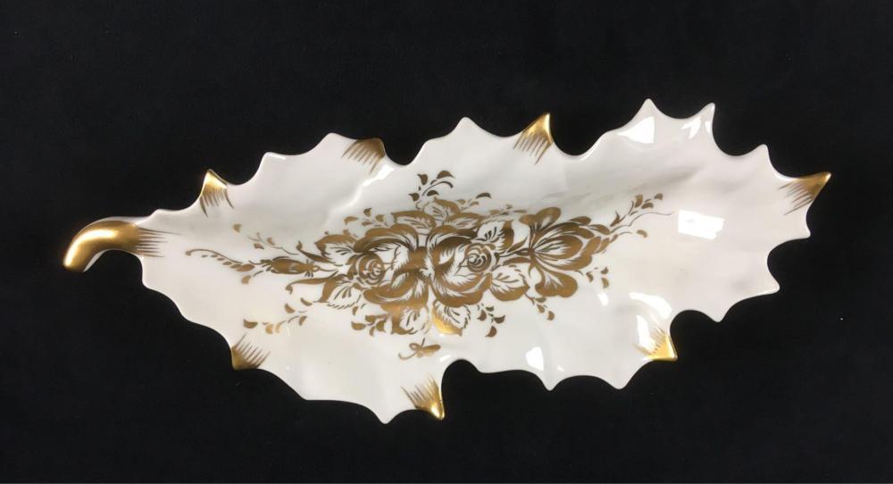 Lot 555: Vintage Fine Porcelain Trinket Dish with Gold Accent Marked