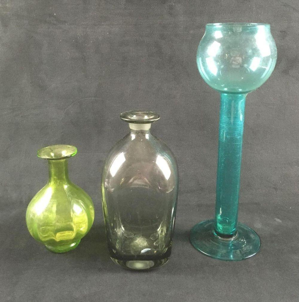 Lot 568: Set of 3 Colored Glass Vases