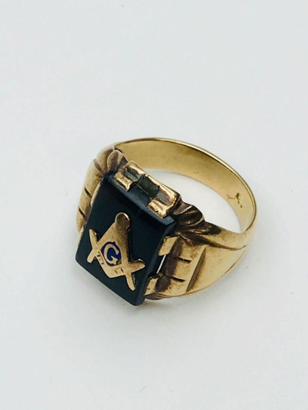 Lot 578: Vintage Freemason Square Compass 10K Ring