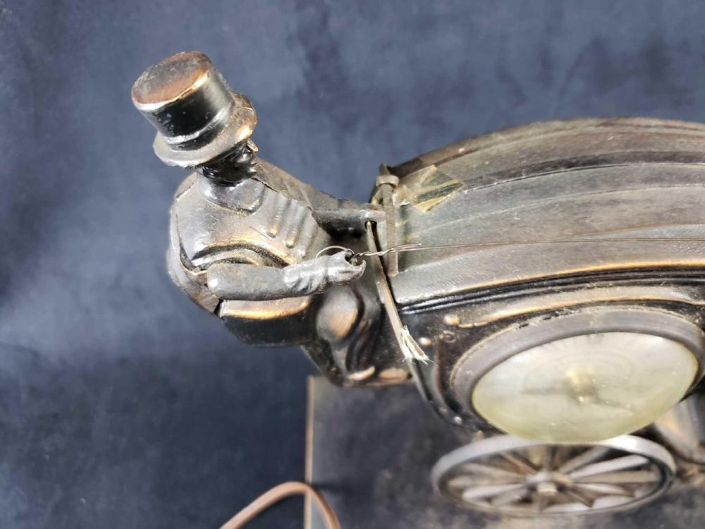 Lot 598: Metal Horse and Carriage Clock Lamp